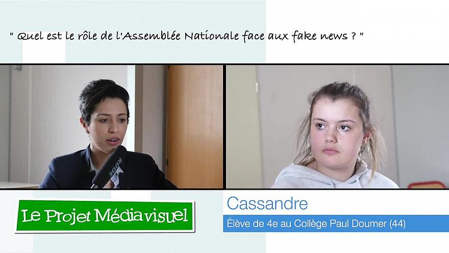 Cassandre, 13 ans, rencontre la Députée Sarah El Haîry 'Quel est le rôle de l'Assemblée Nationale face aux fakes news?' @sarahelhairy